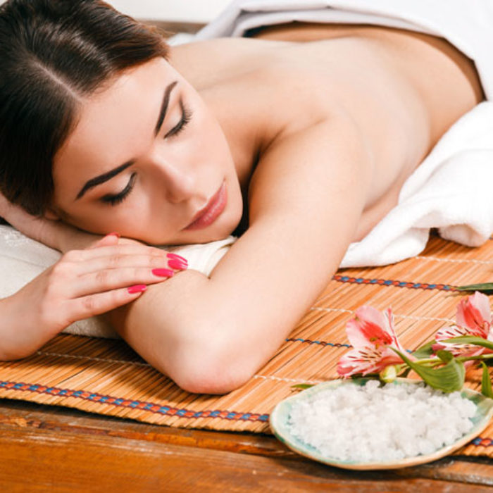 beautiful-young-woman-at-a-spa-salon-PFVKV9T12